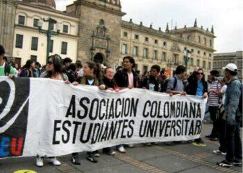 Colombia: Gobierno niega dinero para la educación y ordena represión
