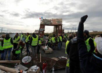 Gobierno de Francia suspende por seis meses alza al gas