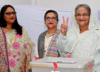 La Liga Awami se proclama vencedora en las elecciones de Bangladesh tras un recuento calificado como farsa