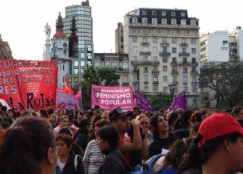 Manifestaciones multitudinarias en Argentina ante la sentencia del crimen de Lucía Pérez