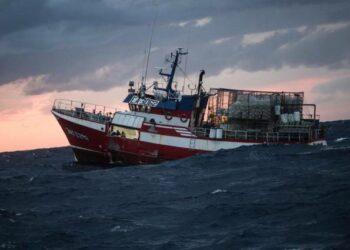 El barco pesquero Nuestra Señora del Loreto desembarca a los 11 inmigrantes en Malta
