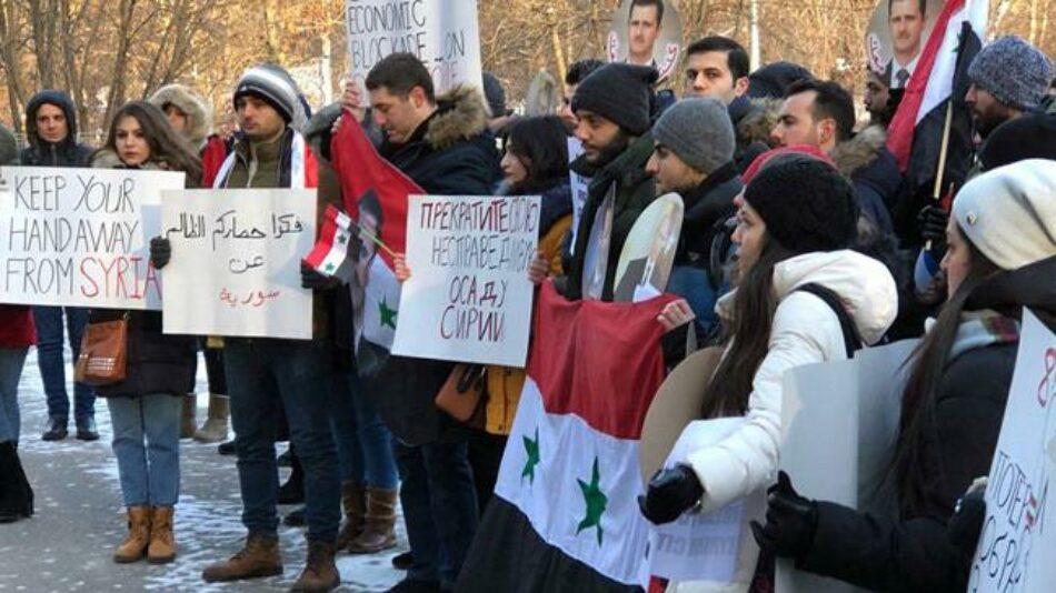 Sirios en extranjero piden fin del boqueo de la UE contra Damasco