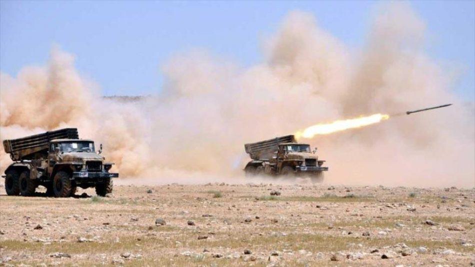 Siria lanza ataques de represalia contra terroristas en Idlib y Hama