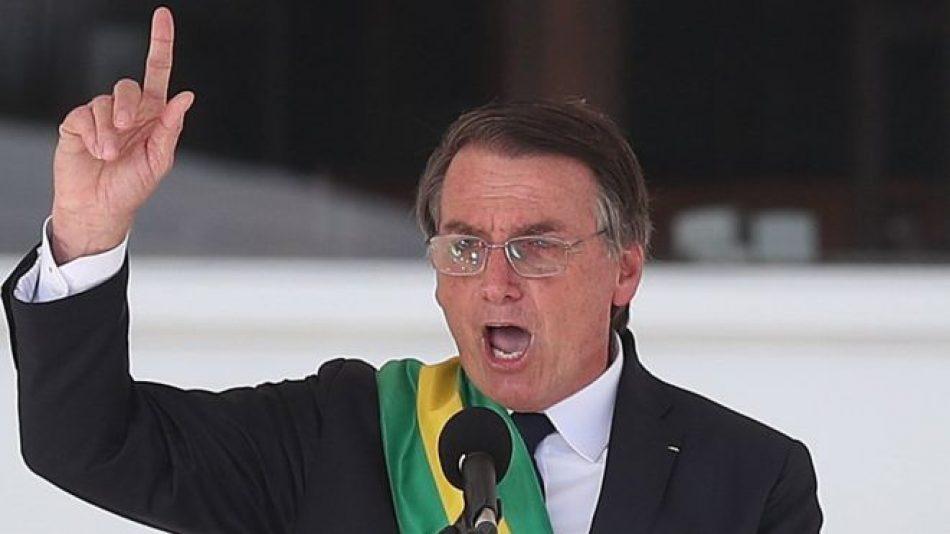 Bolsonaro amenaza con desplegar el Ejército para acabar con la cuarentena