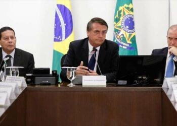 Bolsonaro da marcha atrás en planes para acoger una base de EEUU