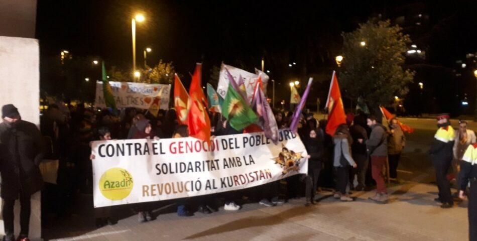 En Barcelona se manifestaron por el #RiseUp4Rojava