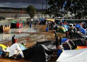 Albergues para migrantes devueltos por EU a México están saturados