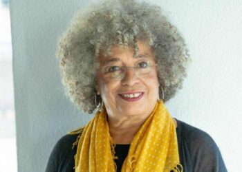 Revocan el premio que iba recibir la activista Angela Davis por criticar a Israel