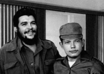 Foto Ernesto Che Guevara junto a Tomas Borge