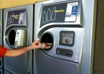 El Gobierno confirma que pone en marcha un estudio para la implantación del sistema de devolución y retorno de envases (SDDR)