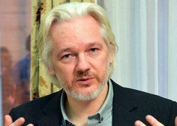 Piden protección, y que la justicia de Estados Unidos diga cuáles son los cargos contra Julian Assange