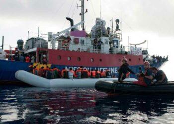 Abogan en Francia por solucionar situación de migrantes varados