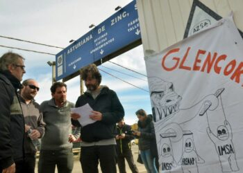 Rafa Mayoral viajará a Suiza junto a los trabajadores afectados por el mercurio de Asturiana de Zinc