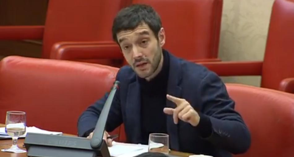 Pablo Bustinduy en el Congreso, sobre el Golpe de Estado en Venezuela: «los gobiernos no se autoproclaman, ni son decretados desde Washington»