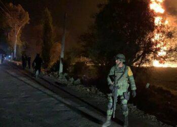 Asciende a 76 el número por la explosión del oleoducto en México