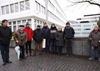 Los trabajadores de Asturiana de Zinc arrancan una promesa de diálogo a la multinacional Glencore en Suiza
