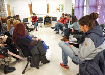 Unidos Podemos urge a la ministra de Empleo a que se reúna con las trabajadoras auxiliares de ayuda a domicilio