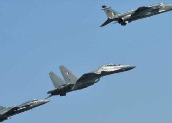 Cazas militares de La India bombardean territorio paquistaní