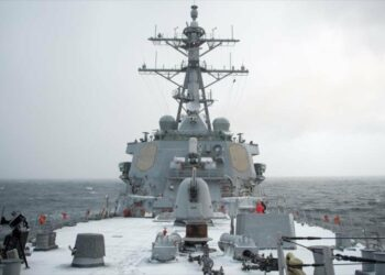 EEUU reta a Rusia con envío de un destructor a Ucrania