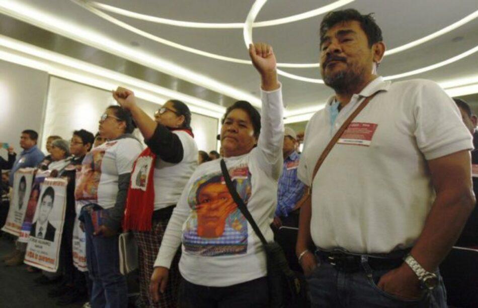México. Ayotzinapa: crean fiscalía especial / AMLO ofrece protección a quienes ayuden en el caso