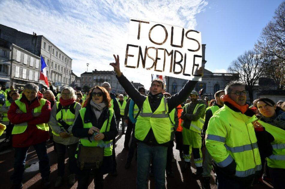 Los 'gilets jaunes' marchan por decimocuarta semana en Francia