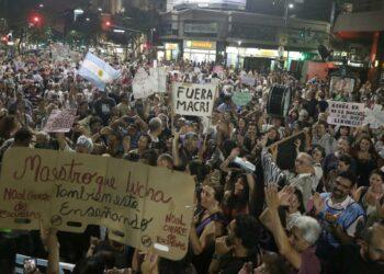 Continúan las movilizaciones contra el aumento de las tarifas en Argentina