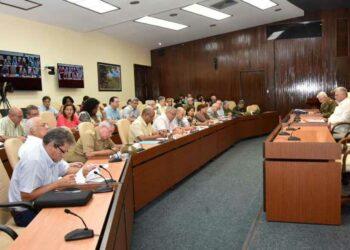 Díaz-Canel indica priorizar problema de casas dañadas por tornado