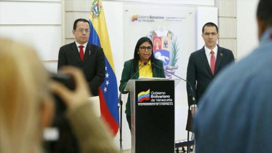 """Venezuela anuncia el """"cierre total"""" de fronteras con Colombia"""