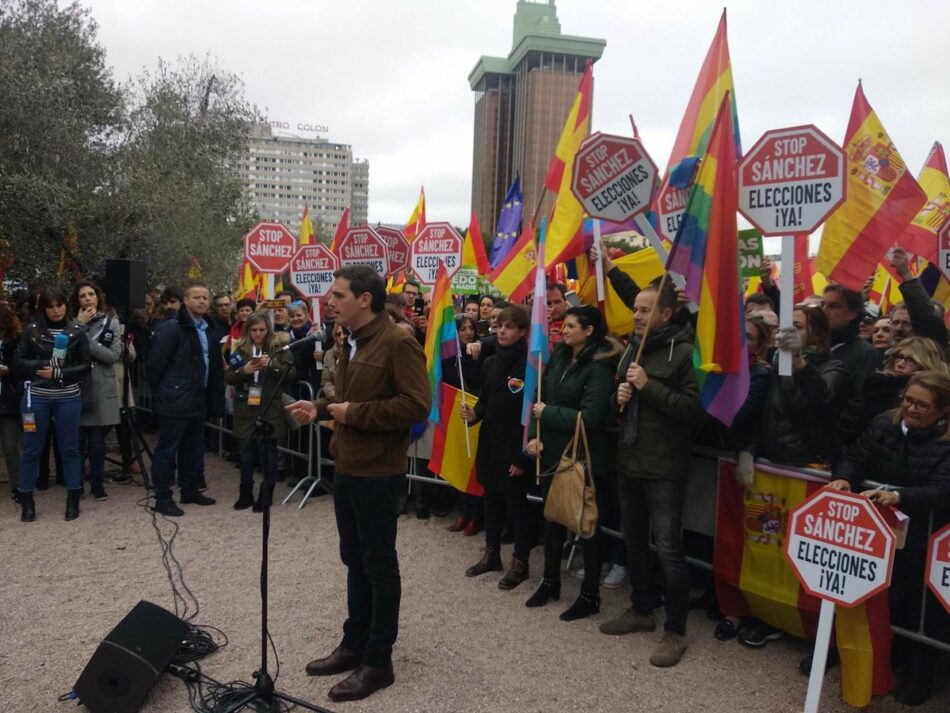 """ALEAS-IU rechaza el """"uso indebido y el engaño a la ciudadanía"""" con """"determinados símbolos que a algunos/as nos ha costado tanto defender"""" en la """"fallida"""" manifestación en Madrid"""
