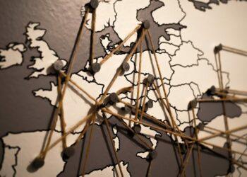 España ignora los medios comunitarios; Europa, los apoya