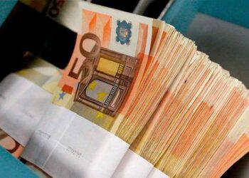 Irán e Iraq usarán el euro y el dinar en su comercio en lugar del dólar