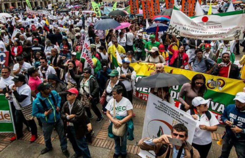 Profesores en Colombia toman las calles