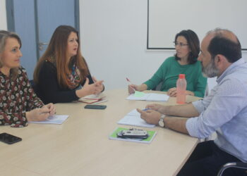 Adelante Sevilla se compromete a aumentar los fondos públicos para políticas sociales y a eliminar trabas burocráticas a las entidades que trabajan por la inclusión