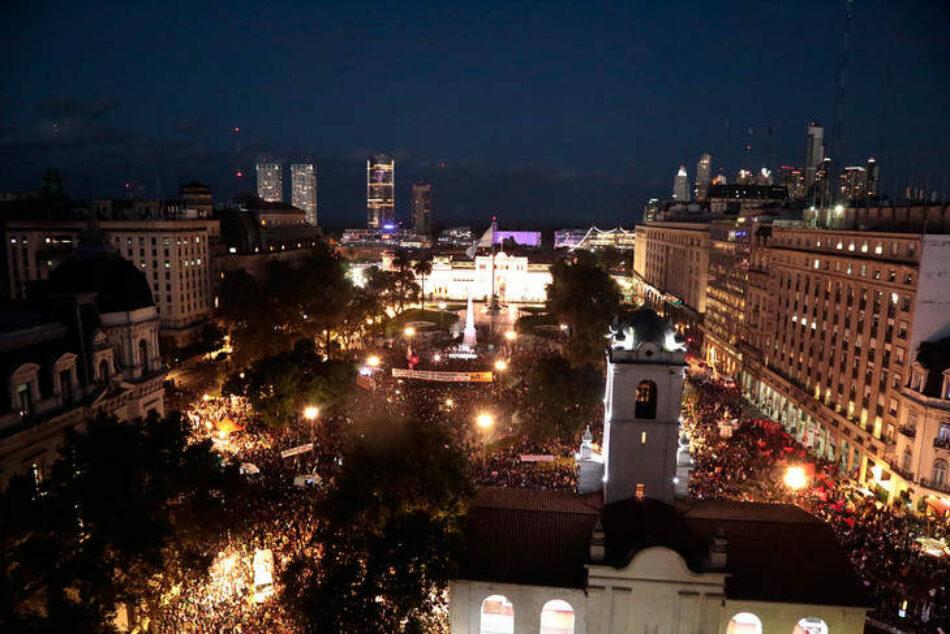 El 8M en el mundo: Argentina marcha contra la violencia patriarcal