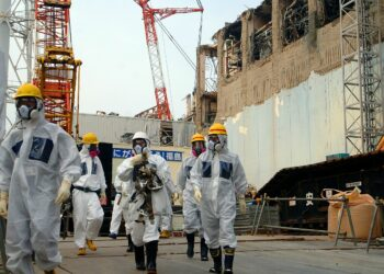 Greenpeace recuerda el innecesario riesgo de ampliar la vida de las nucleares en el aniversario de Fukushima