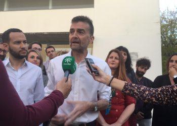"Antonio Maíllo asegura que Serrano ""está dolido porque queremos acabar con su chollo de forrarse a costa de ser cargo público"""