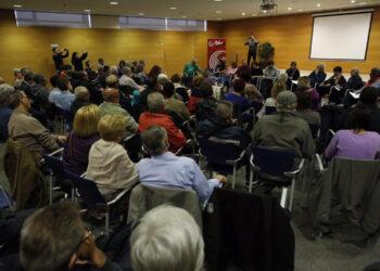 Rafa Mayoral se reúne en Mataró con los colectivos más castigados por la crisis