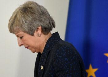 Theresa May contra las cuerdas