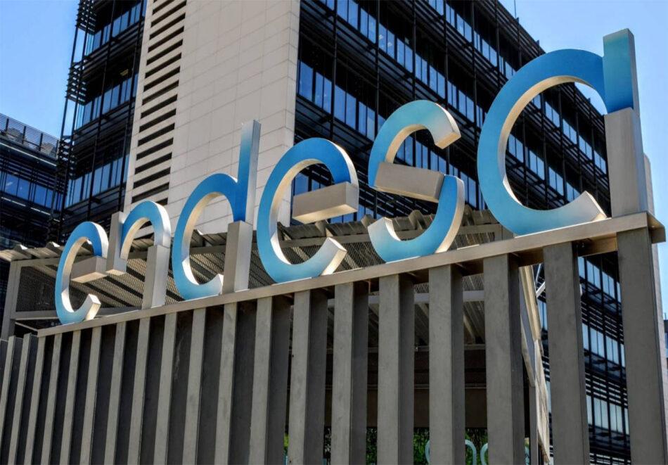 La CNMC multa a Endesa con 300.000 euros por defraudar a un socio de FACUA y quitarle el bono social
