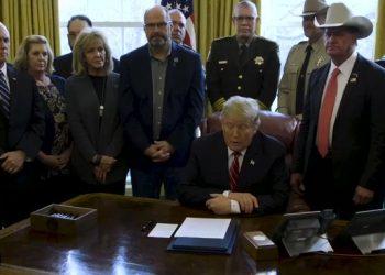 Trump veta la resolución del Congreso que suprimía la 'emergencia fronteriza'