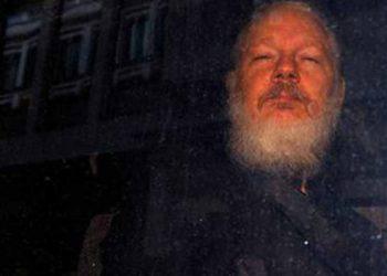 Abogada de Assange rechaza acusaciones del gobierno de Ecuador contra su cliente