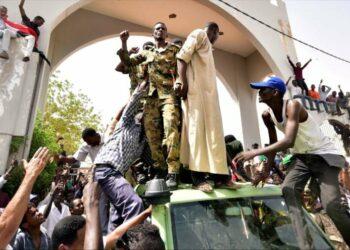 Sucesos en Sudán: ¿golpe extranjero o un cambio desde el interior?