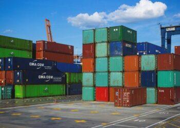 ¿La crisis ya comienza a tragarnos? El comercio mundial se desacelera a ritmo récord
