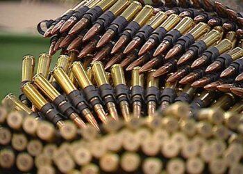 La campaña Banca Armada denuncia la financiación de la industria armamentística por el Santander