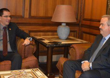 Venezuela y el Líbano evalúan situación política mundial