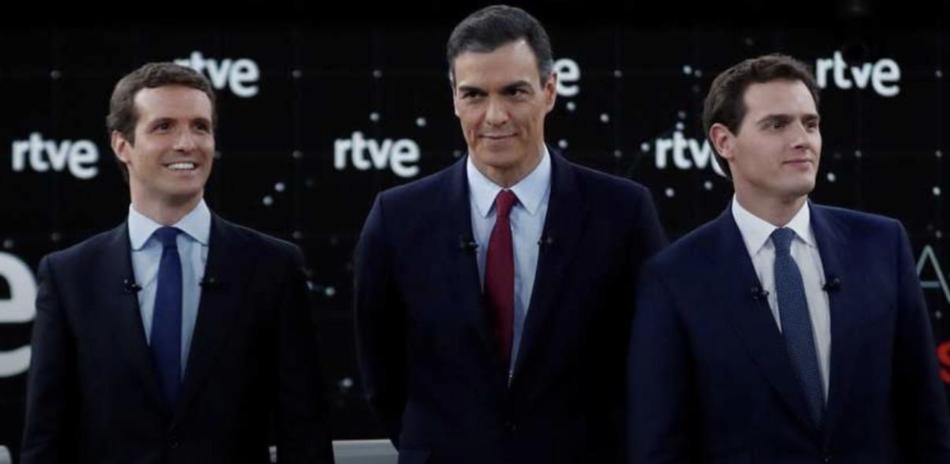 The New York Times arremete duramente contra Rivera, Casado y Sánchez