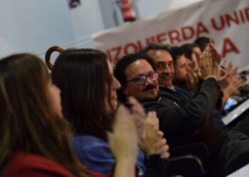 """Enrique Santiago advierte de que """"es absurdo negar la regularización a las personas migrantes e impedir que aporten para fortalecer nuestro sistema de bienestar"""""""