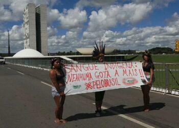 Las comunidades indígenas de Brasil se movilizan contra las políticas de Jair Bolsonaro