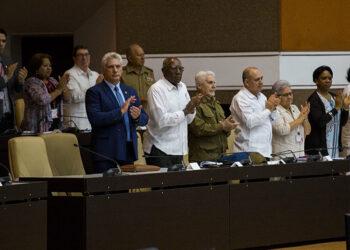 El presidente cubano Díaz-Canel presenta medidas contra los ataques económicos de EEUU