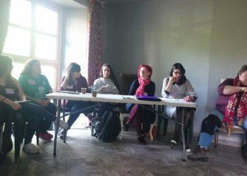 El colectivo feminista Trece Rosas se suma al manifiesto feminista ante as elecciones legislativas del 28A